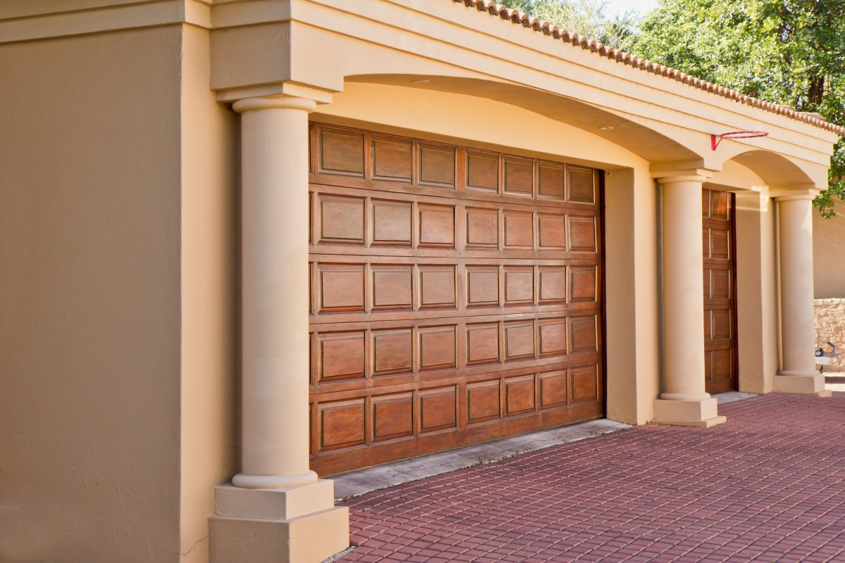 What Are The Best Front Door Colors For Tan House The Fixer Upper Pro