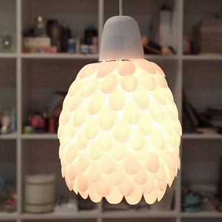 plastic spoon diy lamp